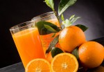 9400318 photo of fresh orange juice with water drops and green leaves 150x104 Польза орехов